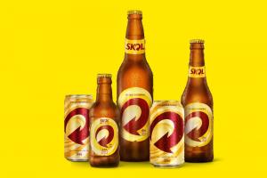 Novas latas e garrafas Skol