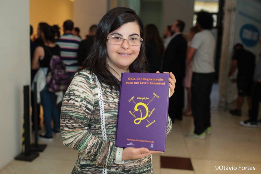 designer Fernanda Schacker