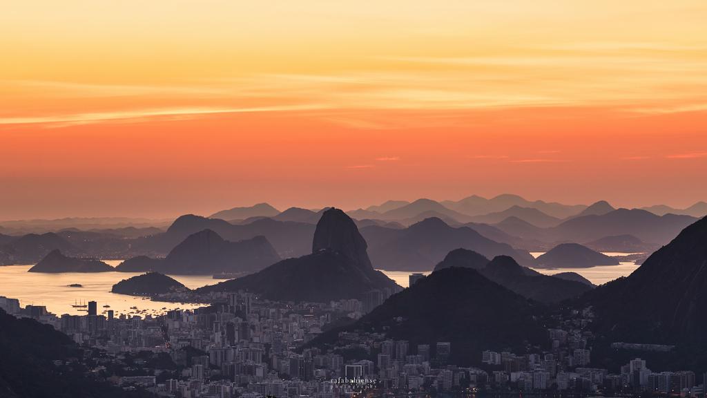 Olympic sunrise @Vista Chinesa, Rio de Janeiro, Brazil (Rafa Bahiense)